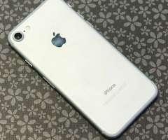 iphone 7 32gb LIKE NEW