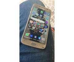 Samsung Galaxy s6 dorado con cristal roto