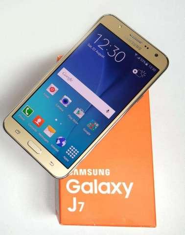 Samsung Galaxy J7 16GB 4G INTERNACIONAL