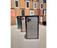 iphone 11 pro max 256GB sellados, factory unlock, todos los colores, en SD