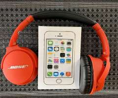 iPhone 5S + Audífonos Bluetooth