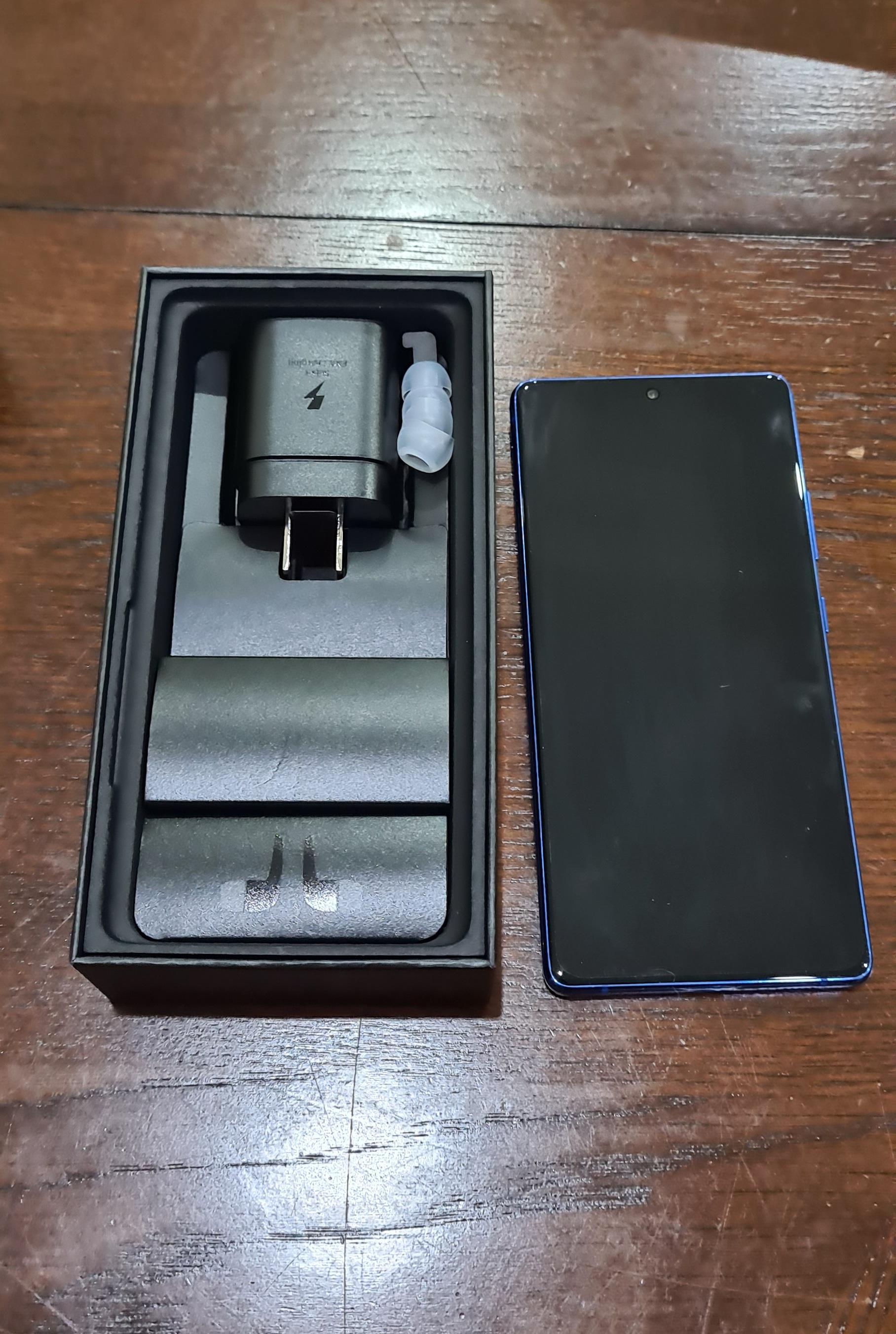 Se vende S10 Lite con 1 mes de uso